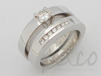 Carre Alesa Argolla compañera anillo de compromiso, con engaste de diamantes